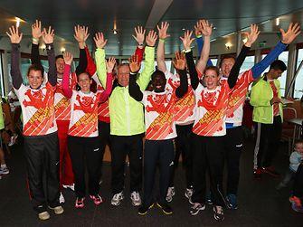 Acht Lauf-Coaches sorgten für das richtige Aufwärmtraining und begleiteten die Henkel-Läufer zum Start.