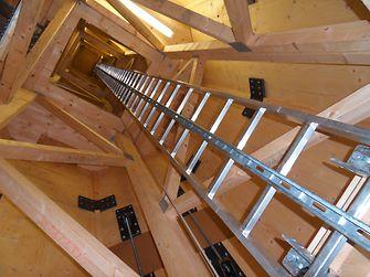 Innenansicht der verklebten Holzkonstruktion des TimberTower.