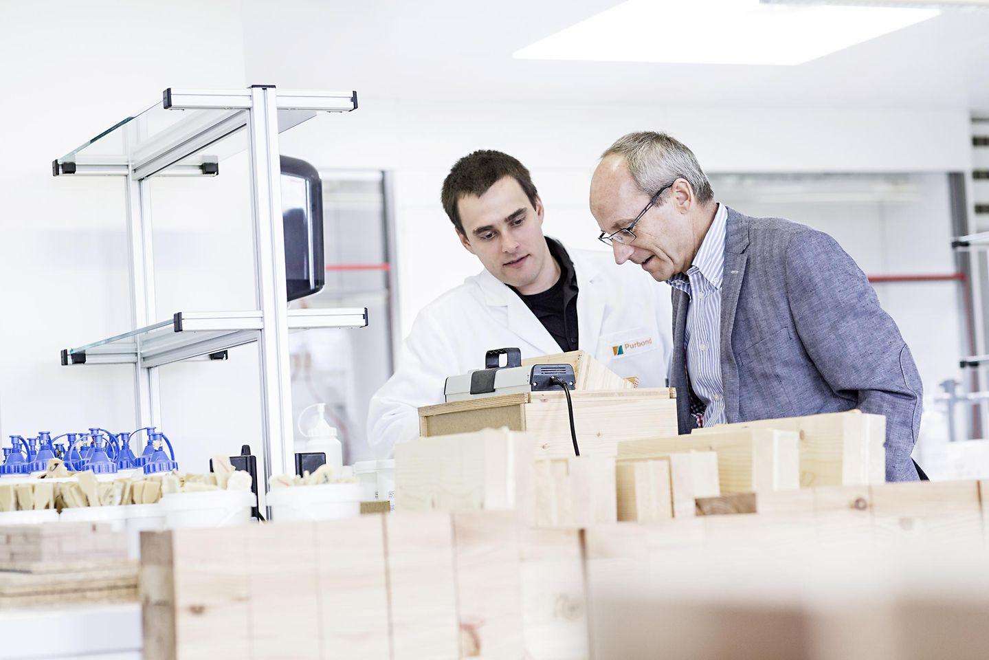 Techniker der Produkt- und Anwendungsentwicklung
