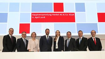 Henkel Management Board with the Chairwoman of the Shareholders' Committee & Supervisory Board at the AGM 2016