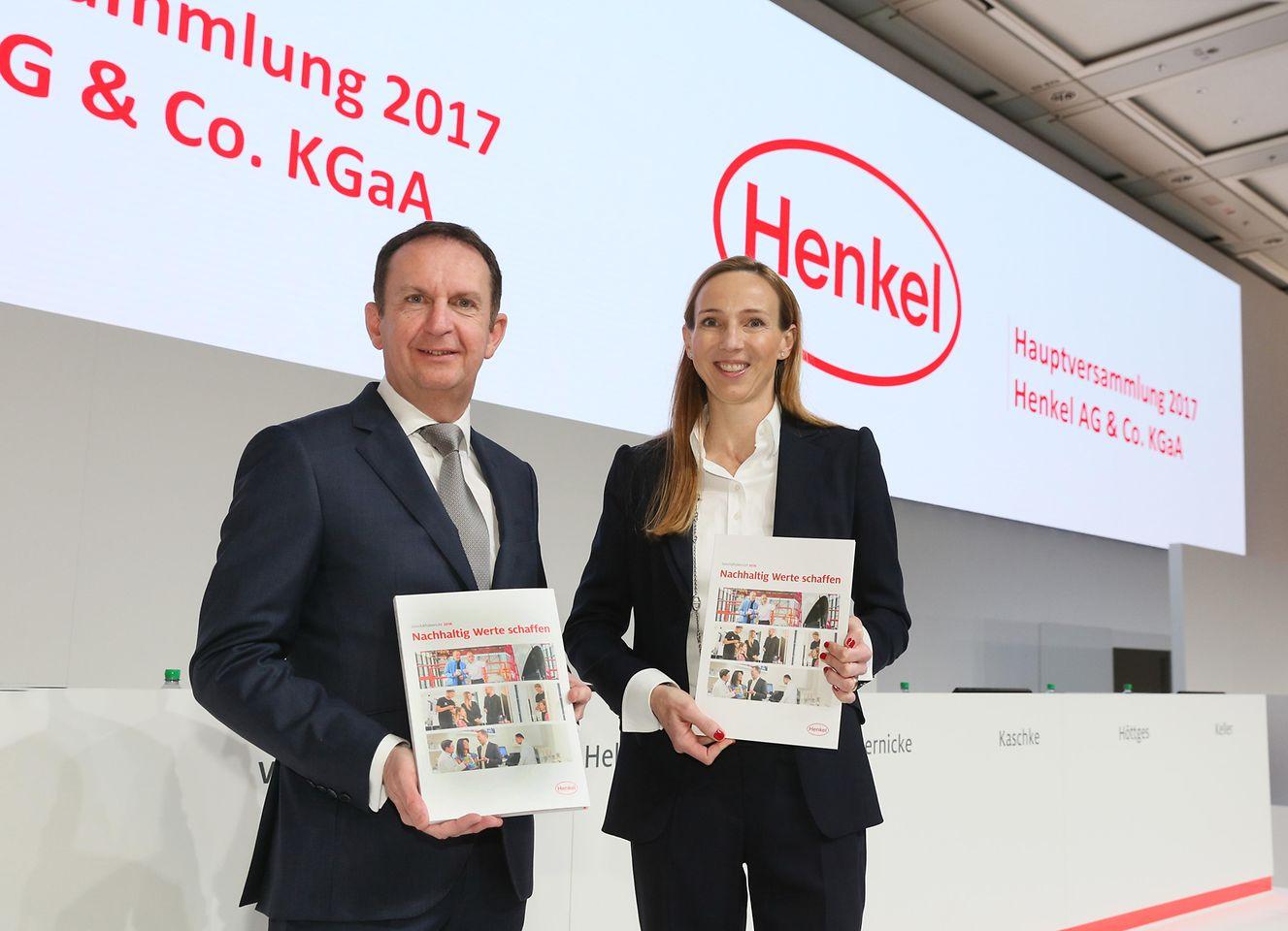 Hans Van Bylen, Vorsitzender des Vorstands, und Dr. Simone Bagel-Trah, Vorsitzende des Aufsichtsrats und Gesellschafterausschusses