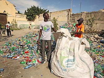 Kunststoff-Recycling in Haiti – Plastic Bank
